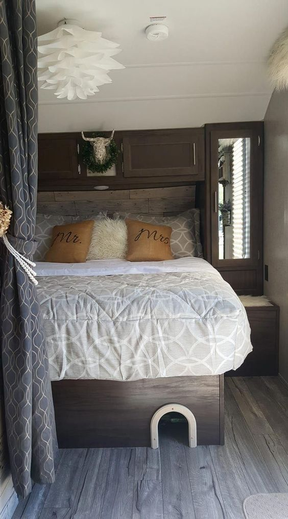 RV Bed Interior Customized